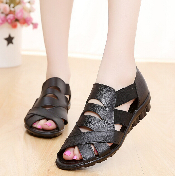 2018 Women Sandals Summer Genuine leather Women Shoes Soft bottom Flat Bottom Mother Shoes Mama Summer flat open-toed Sandals