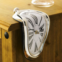 Novelty Salvador Style Hanging Clock Creative Retro Romanian Right Angle Twist Clock Surrealist Irregular Melting Wall Clock