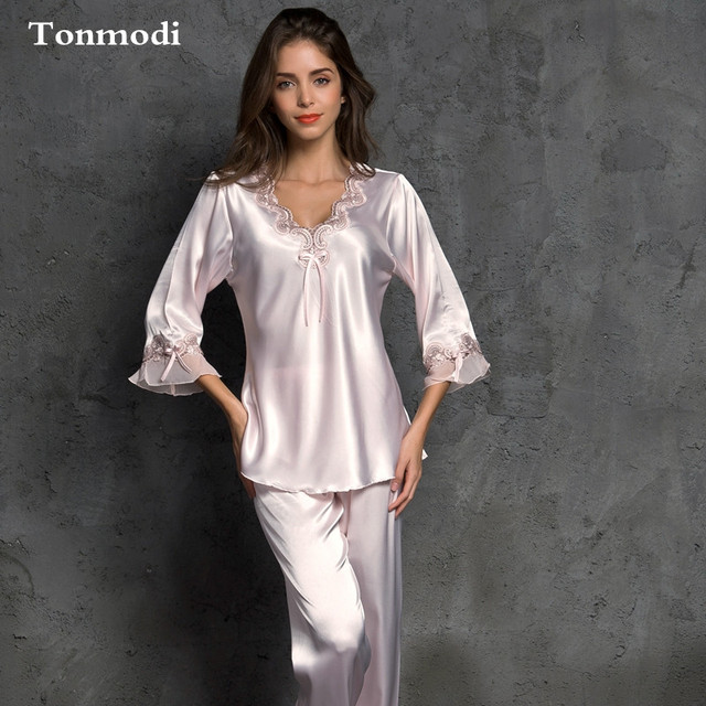 Silk Pajamas Set For Women Sleepwear Silk Sexy V-Neck Lace Stitch Pijamas Ladies  Silk da6b2e946