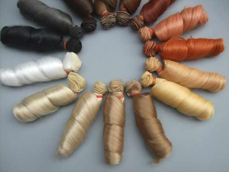 1 adet Uzatma bebek peruk 15*100 cm Doğal Renk Kıvırcık bebek saç BJD SD Rus el yapımı giyim bebek peruk