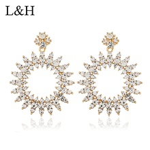цена на L&H Fashion Luxury Crystal Drop Earrings Exaggeration Punk Maxi Statement Gold Silver Color Dangle Earrings For Women Jewelry