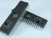 Foutus plots...que faire? - Page 3 Free-shipping-10pcs-lot-27C1024-UV-EPROM-M27C1024-1M-M27C1024