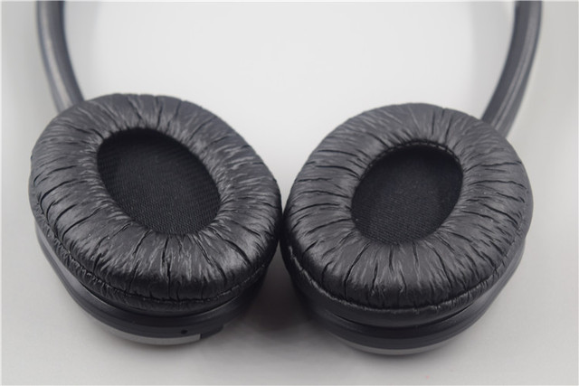 1 Pair of Protective Covers Cushions Pads Earmuffs Ear Cups for H1080 H1030  H1000 H2300 Headphones 0c09965b5e
