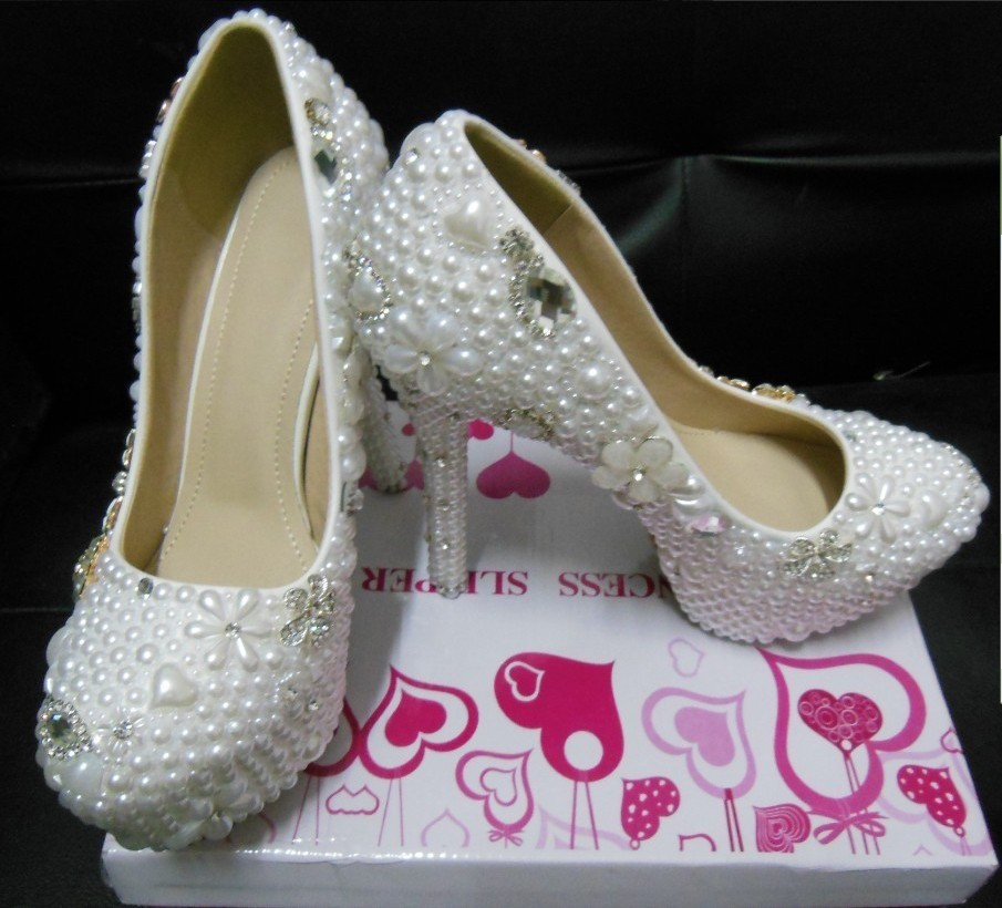 2016 White Gorgeous Crystal Diamond Bridal Shoes for Wedding  Full pearls Beaded High-heeled Bridesmaid Party Prom Women shoes