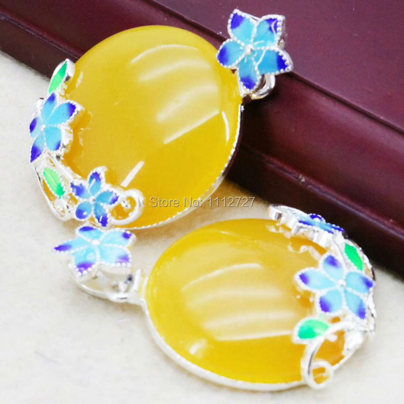 Hot Sale Imitation Beeswax Pendant Women Jewelry Opaque Resin DIY Crafts Clothing Fitting Flower Party Gem Wedding Pendant 32mm