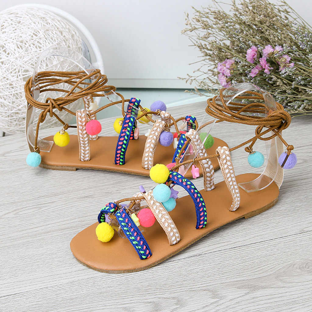 Bohemia Yaz Kadın Pom Pom Sandalet Gladyatör Roma Strappy Diz Yüksek Çizmeler Işlemeli Püskül Ayakkabı Daireler Şeker Renk Ayakkabı