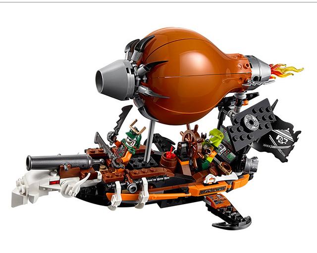 318 pcs Anime Ninjagoed Zeppelin Dobrão Clancee Ninja Ataque Zeppelin Blocos de Construção De Armas