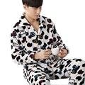 Inverno de Manga Comprida Coral Fleece Conjunto de Pijama dos homens Vaca Dos Desenhos Animados Completo Sleepwear Cardigan e Calças 2 Peça Pijama Terno Homens Para Casa roupas