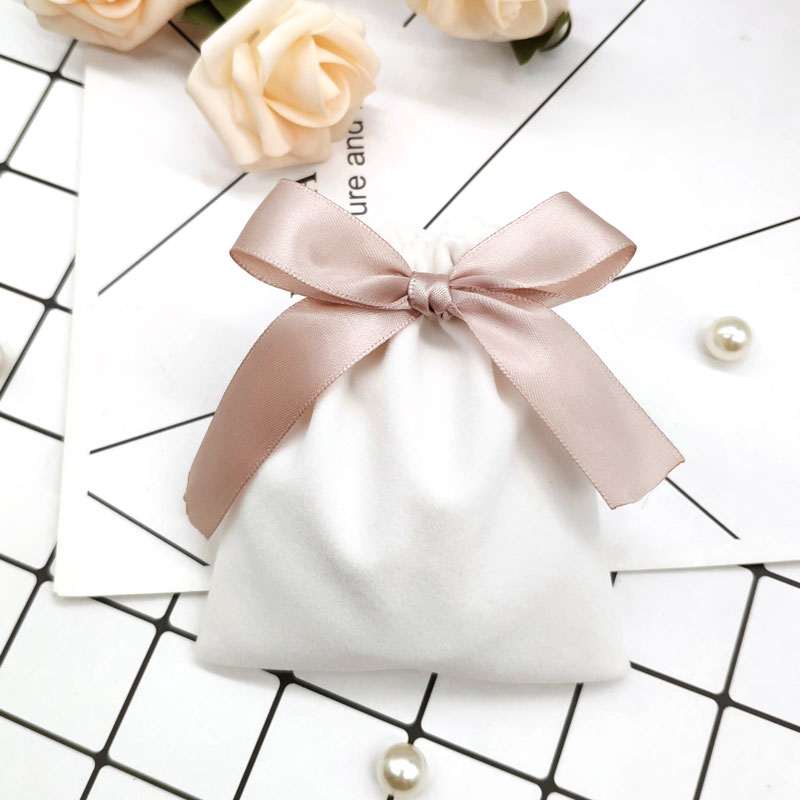 Ivory Velvet Bags With Champagne Ribbon Pouches 10pcs Jewelry MP3 Packing Bags Wedding Candy Velvet Gift Bags Multiple Sizes