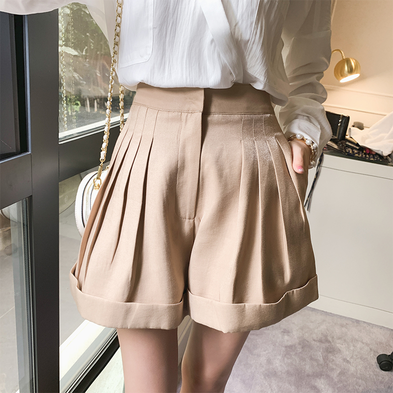 Mishow 2019 Summer New Collection Business Casual Elegant Solid High Waist  Flare Short Pants MX19B2460