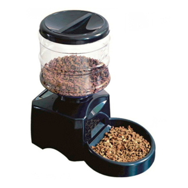 5.5L Automatic Dog Feeder with LCD Screen 4