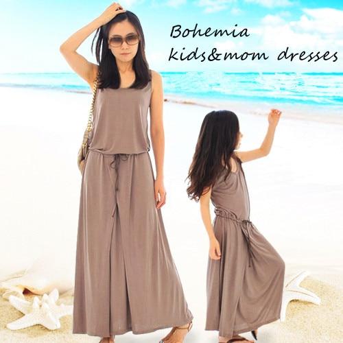 Відповідні матері та доньки сукні 2018 Новий літній сімейний одяг дівчата модальний довгий макси елегантний коричневий плаття для дітей підліток