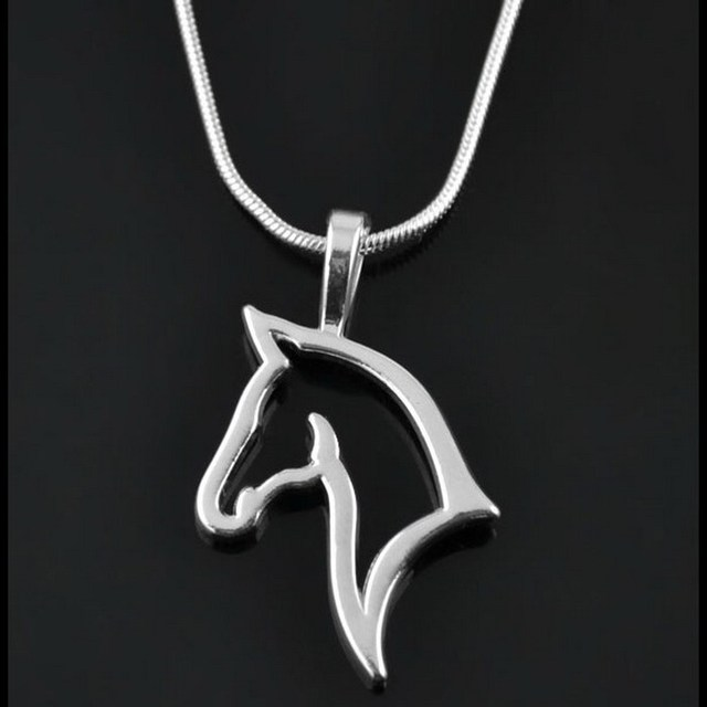 fashion cute animal horse Pendant Necklace For Women fashion dress Clothing Cost