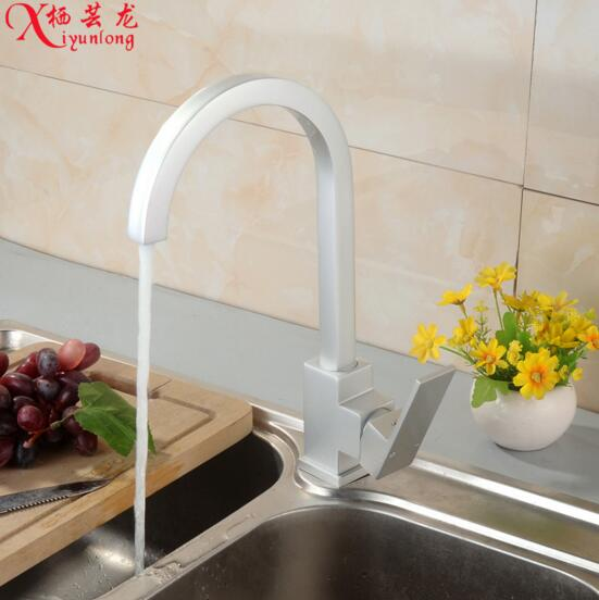 Manufacturers wholesale new space aluminum kitchen faucet hot cold mixing faucet Single head mixed batch water