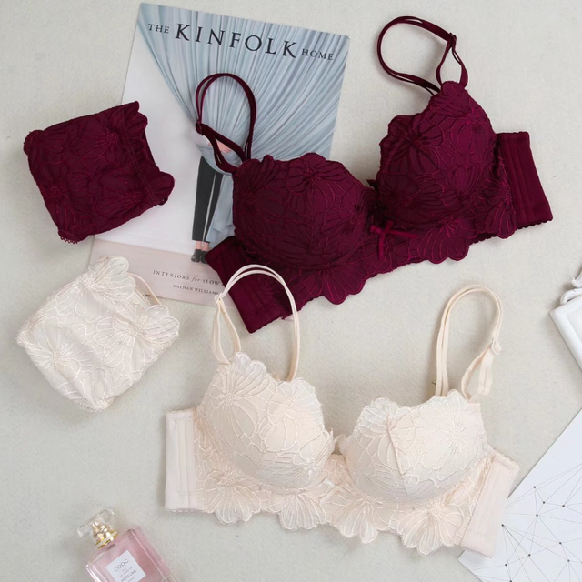 Wholesale Women Bra Sets Embroidery Flower Lace Bra Brief Sets Wire free Push Up Girl Lingerie set 32 34 36 38 B Cup 3sets/lot