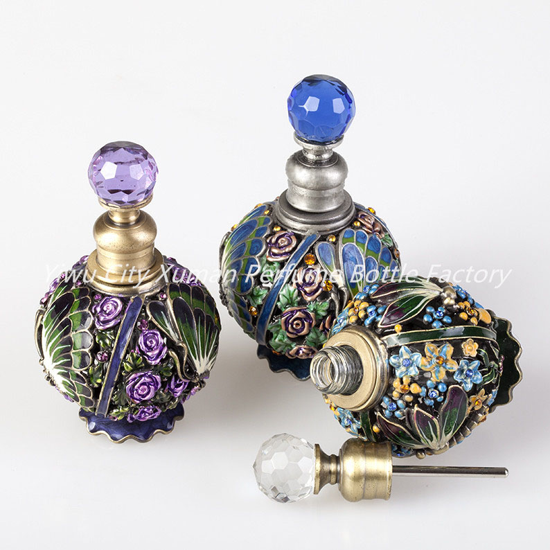 Retro 10ml Perfume Refillable Bottle Vintage Metal Flower Butterfly Glass Empty Container Gift Crystal Cluster Home Decoration