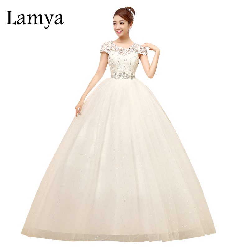Lamya 2017 도매 웨딩 드레스 레이스 가장자리 Appliqued 층 길이의 연인 Tulle Bridal Ball 가운 Vestido De Noiva