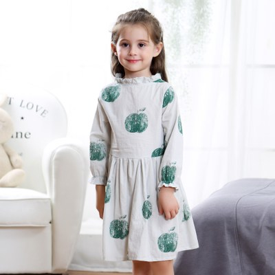 The new summer 2018 girl childrens clothes factory direct selling green apple dress.