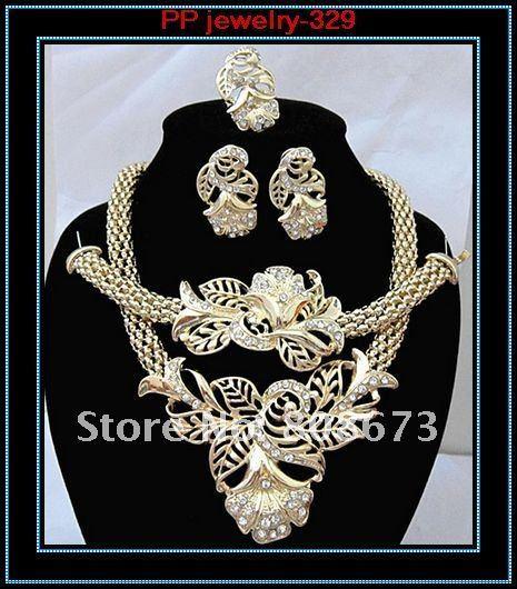 Envío Gratis 24 K Chapado En Oro Cadena Babero Flor Collar Pendientes Pulsera Anillo de Sistemas de La Joyería/de La Boda/de Traje Nupcial
