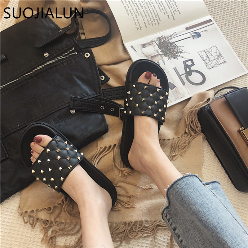 SUOJIALUN 2019 Spring New Slippers Women Home Slippers Flip Flops Fashion Rivet Beach Slides Casual Woman Flat Sandals Shoes