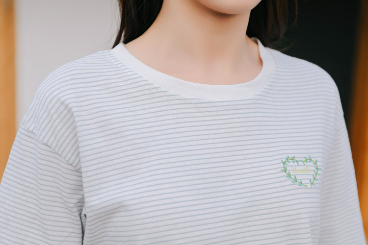 Verão 2018 da moda coreana camisa harajuku tendência bordado ... c4e3b574495e2