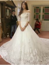 A line Wedding Dress Short Sleeve Boat Neck Appliques Luxury Cathedral Royal Train Vestido De Noiva