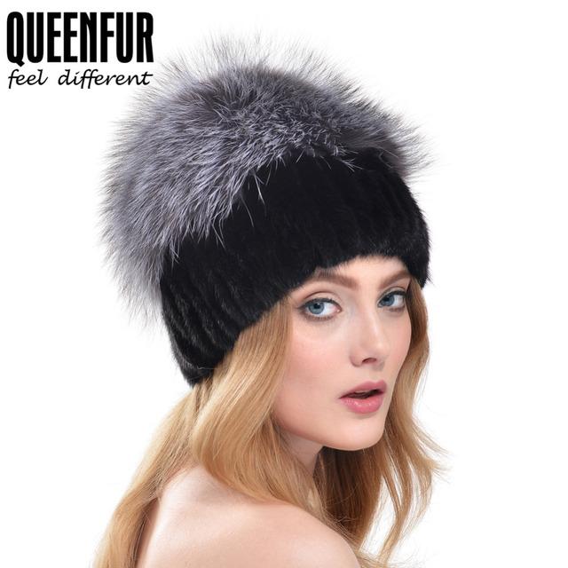 QUEENFUR Rusia Estilo 100% Real de Punto de Visón Sombrero Con Gran Silver Fox Fur Pompones Gorros Mujeres Elegantes gorro De Piel Naturales