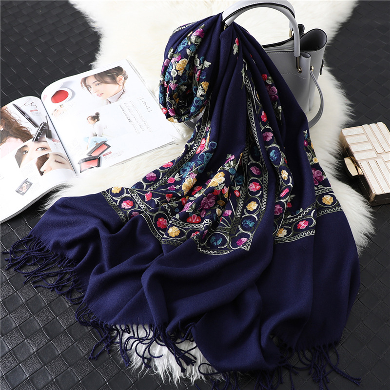 2019 Designer Brand Women Scarf Winter Cashmere Scarves Lady Shawls And Wraps Female Blanket Pashmina Embroidery Scarfs