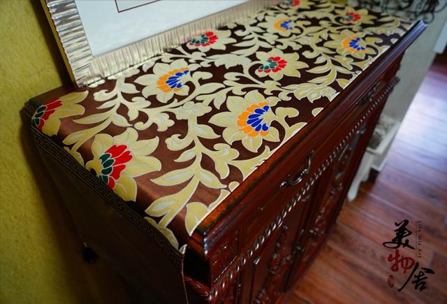 Qalın süfrəli Avropa Saten Qaçış Redbud Çiçək Toy Masası - Ev tekstil - Fotoqrafiya 4