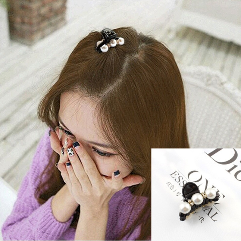 2016 Fashion Black Hair Clip Claw Artificial diamond Pearl Plastics Headwear For Women Girls Party Festival Elegant Hairclips in Girl 39 s Hair Accessories from Apparel Accessories
