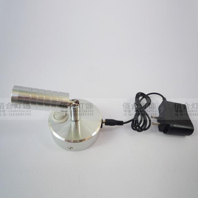 2015 NUEVA batería de litio LLEVÓ el proyector Recargable llevó su propia energía de Emergencia que acampa lámpara de mesa de luz de la pantalla