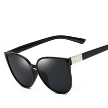 2018 NEW Woman Flat Top Oversized Sun Glasses Cat Eye Brand Designer oculos vu400