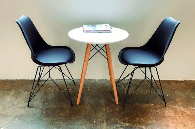 Sedie In Metallo E Plastica : Completo nero moderno e minimalista desgn plastica e metallo gamba