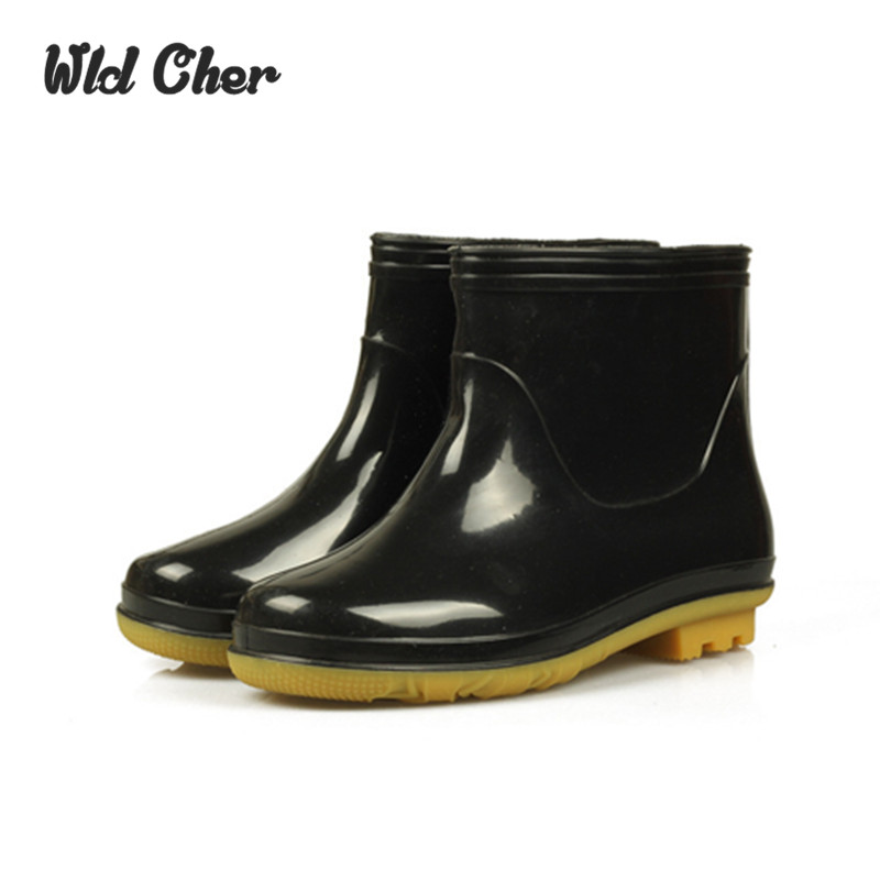 Charming 2017 Fashion Elastic Band Solid Men Rain Boot Whith Fur Sock Waterproof Men Boots Rubber Jade Stretch Shoes 39-44