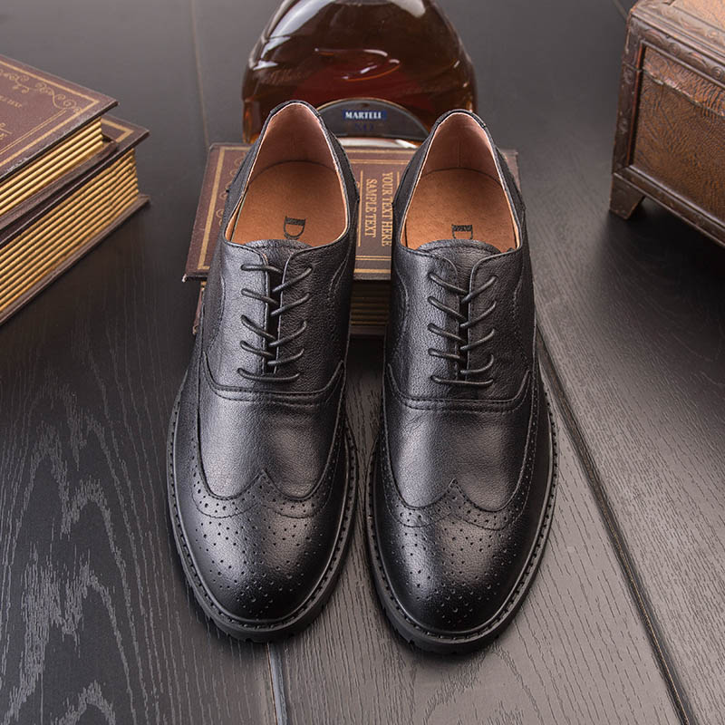 2017new Bullock carved leather shoes male leather British men's shoes business spring and summer men's casual Derby shoes 2017-1 2016 summer new retro british style men s business suits round leather shoes shoes oxford shoes bullock carved free shipping