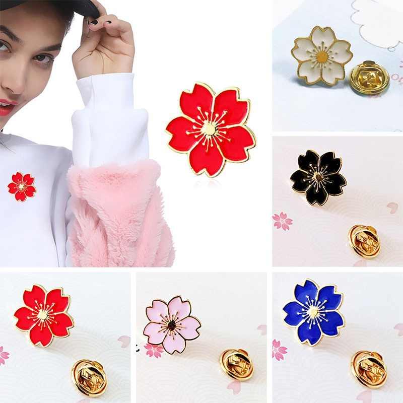 Fiori di Ciliegio Fiore Oro Argento Spilla Spilli Pulsante Spilli Denim Panno Spille Distintivo Per Le Borse di Stile Giapponese del Regalo Dei Monili Per ragazze