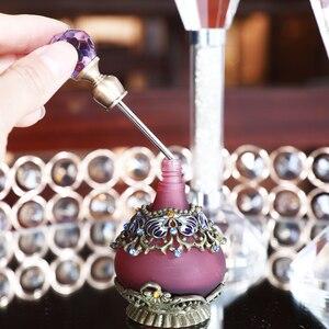 Image 2 - H & D 25Ml Paars Bloem Lege Glas Parfum Fles Vintage Hervulbare Container Decor Vrouwen Meisjes Gift Thuis Bruiloft decor