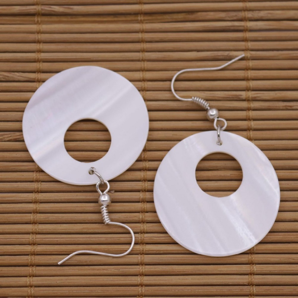 Купить с кэшбэком 30mm Disc Coin Shell Natural White Mother of Pearl Earring 1PAIR