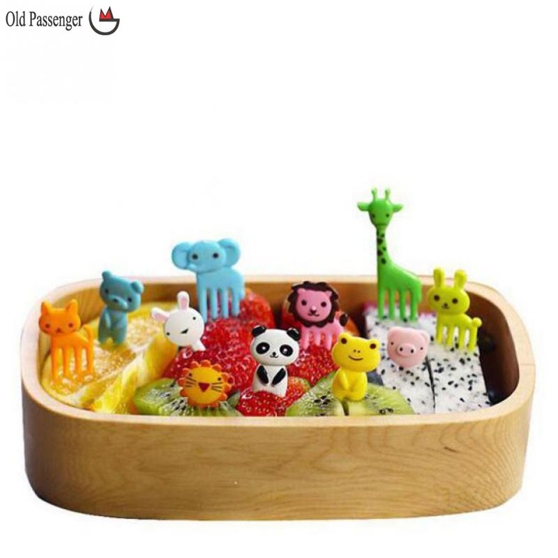 Old Passenger _10pcs/bag New Animal Farm mini cartoon fruit fork sign resin fruit toothpick bento lunch for children decorative(China (Mainland))
