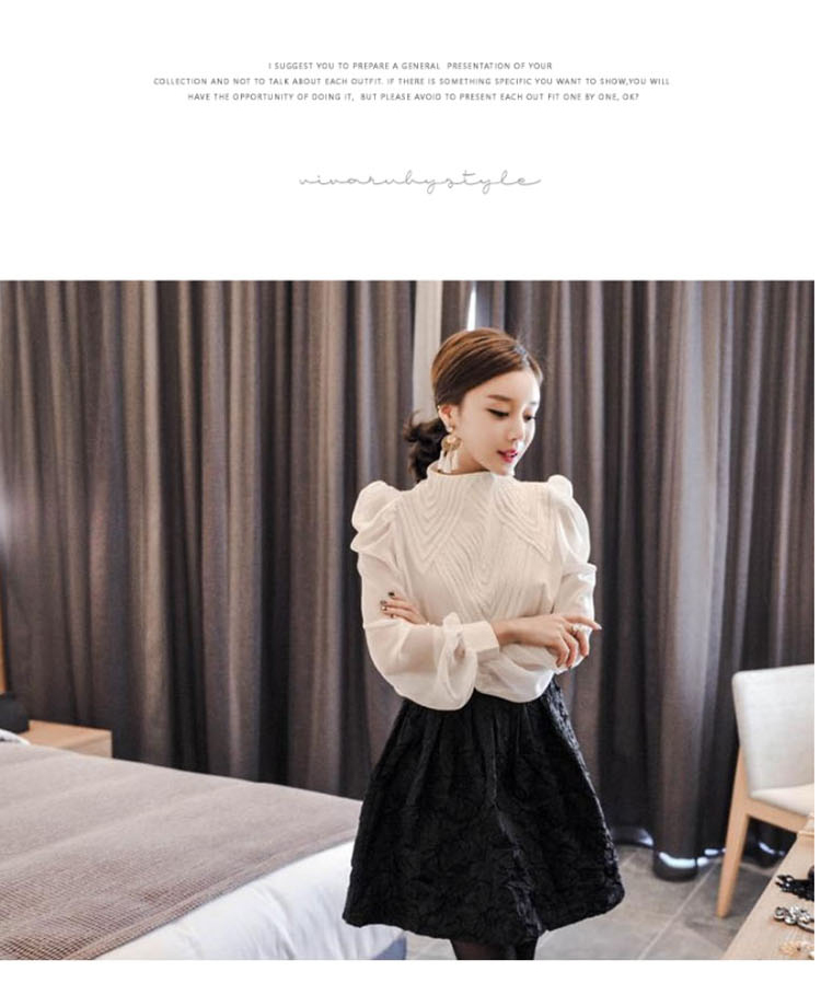 aa71b9a68f69e8 ZAWFL Retro Pleated Stand Collar Puff Loose Long White Blouse 2019 Vintage  Cotton Tops Fashion Womens Lantern Sleeve Shirt -in Blouses & Shirts from  Women's ...