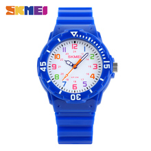 SKMEI Children' Watches Quartz Sports Watch Water Resistant Clock Boys Girls Students Wrist Watch Casual Jelly Kids Fashion 1043