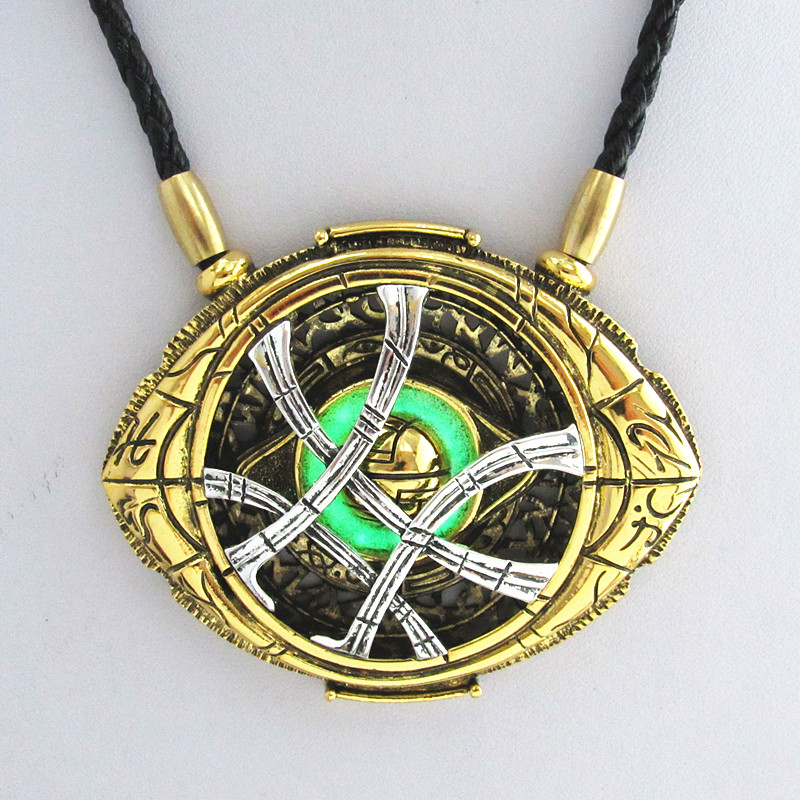 New style 7.1cm*5.8cm Cosplay Doctor Strange Necklaces Christmas gift Alloy Necklaces Agamotto