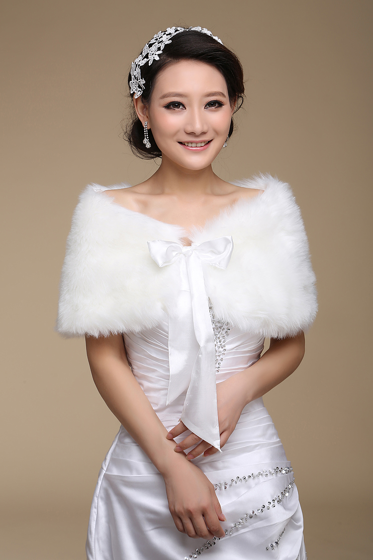 2018 Women Wedding Jacket Fur Bolero Wraps Outerwear Winter Warm Bride Accessories