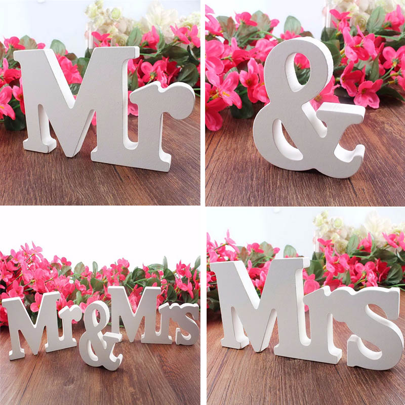 Wedding Gift Table Ideas: Mr&Mrs Letters Wedding Decoration Present Table Decor 1
