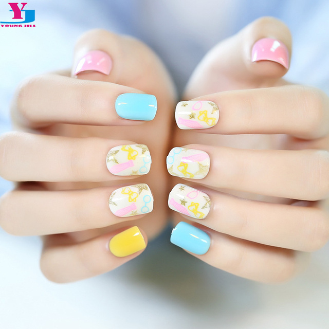 Hot 24 PCS Candy Cute Full Nail Tips Faux Ongles Short Oval Smooth Kids Artificial False