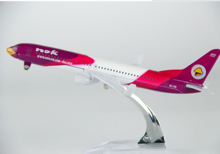 1 400 plane model B737 Thailand Airlines aircraft B737 Metal simulation airplane model for kid font