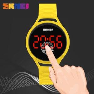 Image 4 - SKMEI 여자 스포츠 시계 터치 스크린 LED 디스플레이 PU 스트랩 여자 패션 캐주얼 시계 디지털 시계 손목 시계 방수 1230