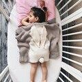 Manta Swaddle Muselina Mantas de bebé Recién Nacido Hecho A Mano De Lana Mezclada Suave Toallas de Conejo de Dibujos Animados de Punto manta de tiro 100*80 cm