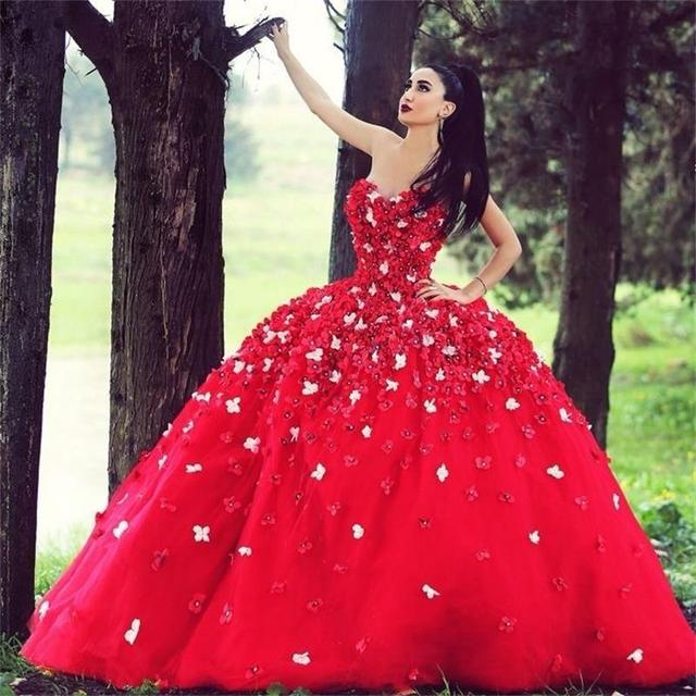 Luxury Red Quinceanera Dresses Ball Gowns With 3D Flowers Appliques Beads Sweetheart 16 Years Dresses Vintage Tulle Party Gowns