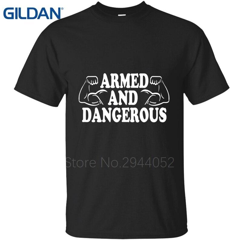 Rude manga corta Camiseta armados y peligrosos cristiana perro hombre negro  Ali camisa hombres hip hop agradable O Masajeadores de cuello camisas en de  en ... 236d79b278